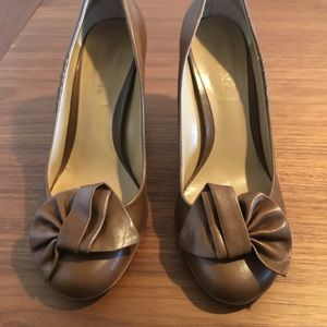 Tan Round Toe Heel with Fun Details